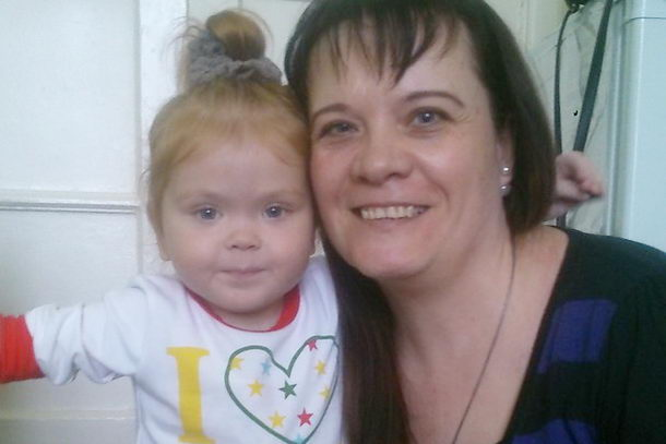 Маленькая Кристина с директором фонда Ольгой Рудневой