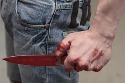 В Торжке ревнивец пырнул ножом в живот свою возлюбленную и пошел спать, оставив женщину истекать кровью