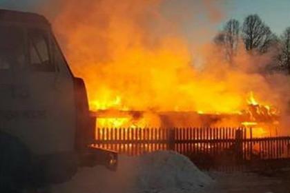 Пожар в Торжокском районе в деревне Скрябино. Фото: 69.mchs.gov.ru