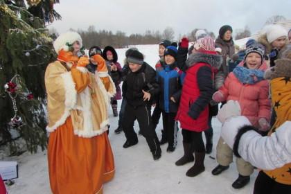 Семейная программа «В гостях у карельского Деда Мороза» в этно-центре «Мяммино». Фото: lihoslavl69.ru