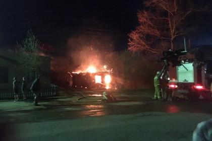 Пожар на улице Линейная в Калашниково. Фото: 360tver.ru