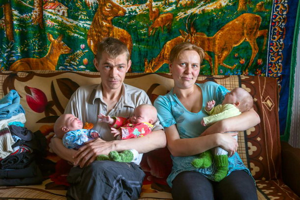 Марина живет в двухкомнатной квартире с мужем, дедушкой и детьми, которых шестеро. Фото: constanta-fund.ru