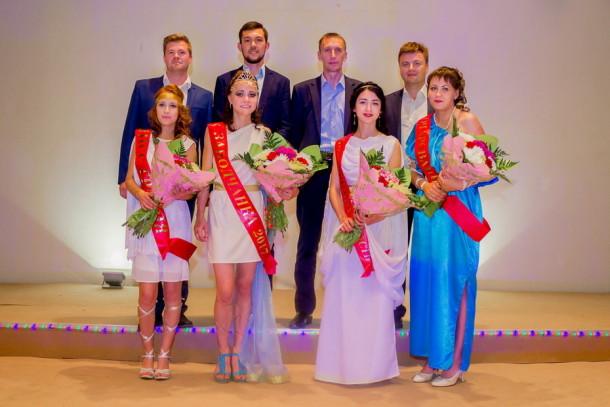 Участницы конкурса и жюри. Фото: Евгений Козлов