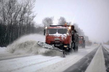 383 единицы спецтехники обеспечивают расчистку дорог от снега в Тверской области