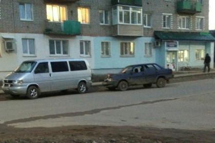 ДТП в Калашниково: «девяносто девятая» догнала «транспортер» (фото)
