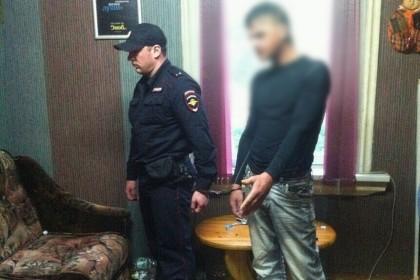 Задержанный мужчина. Фото: СУ СК России