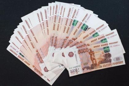 Фальшивомонетчики наводнили магазины Лихославля и Калашниково поддельными деньгами