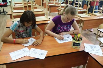 Калашниковские школьники. Фото: Катя Барбаняга