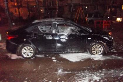 Сгоревший автомобиль. Фото: МЧС России