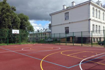 Универсальная спортивная площадка в г. Лихославле на ул. Лихославльская
