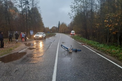 Появились подробности и фотографии наезда на велосипедистку в Лихославльском районе (фото)