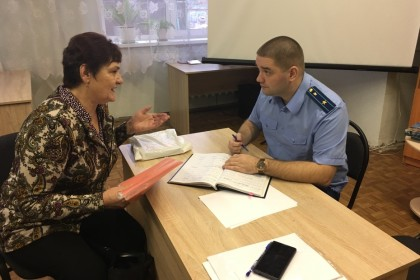 Прокурор Лихославльского района провел прием граждан по вопросам соблюдения прав лиц с ограниченными возможностями здоровья
