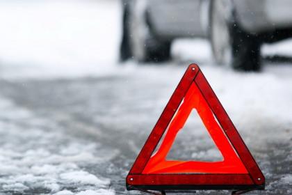 В поселке Калашниково неизвестный водитель наехал на пешехода и сбежал с места аварии
