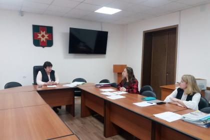 Заседание комиссии по присуждению премий талантливой молодежи. Фото: Константин Чмутов