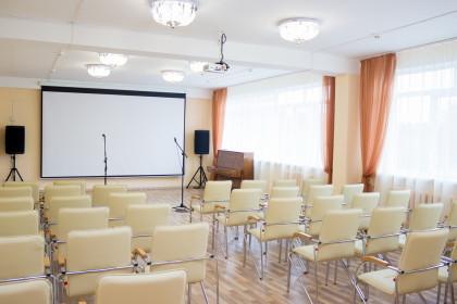 Виртуальный концертный зал в Лихославльской библиотеке имени В.Соколова. Фото: Евгений Козлов / Пресс-служба администрации Лихославльского района