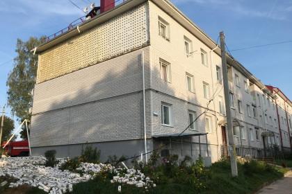 В поселке Калашниково обвалилась стена многоквартирного дома. Фото: 360tver.ru