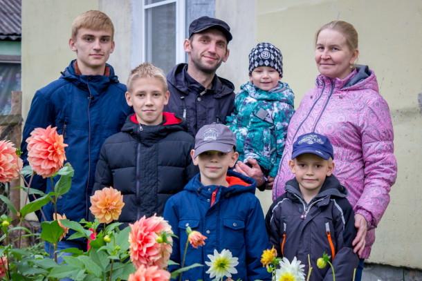 Болеем за Гусевых! Фото: Евгений Козлов / Пресс-служба администрации Лихославльского района