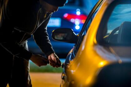 В Лихославле автоугонщики за ночь угнали и пытались угнать 5 автомобилей