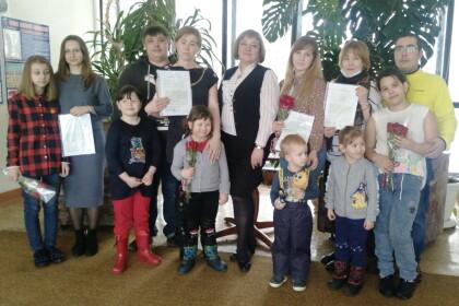 Пять молодых семей поселка Калашниково смогут улучшить свои жилищные условия