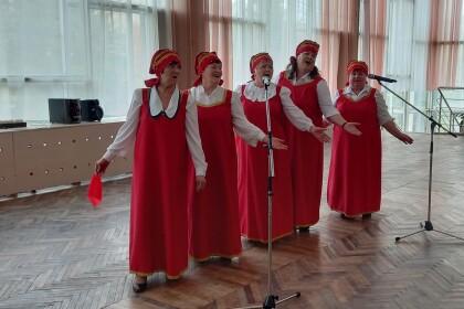 В Центре культуры и досуга им.40-летия Победы прошёл вечер отдыха «Песня - душа народа»