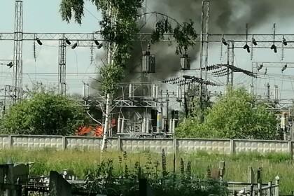 В Лихославле горит электрическая подстанция. Фото: Екатерина Знаменская
