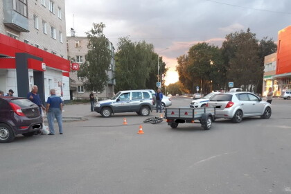 Фото с места столкновения ребенка с машиной в Лихославле